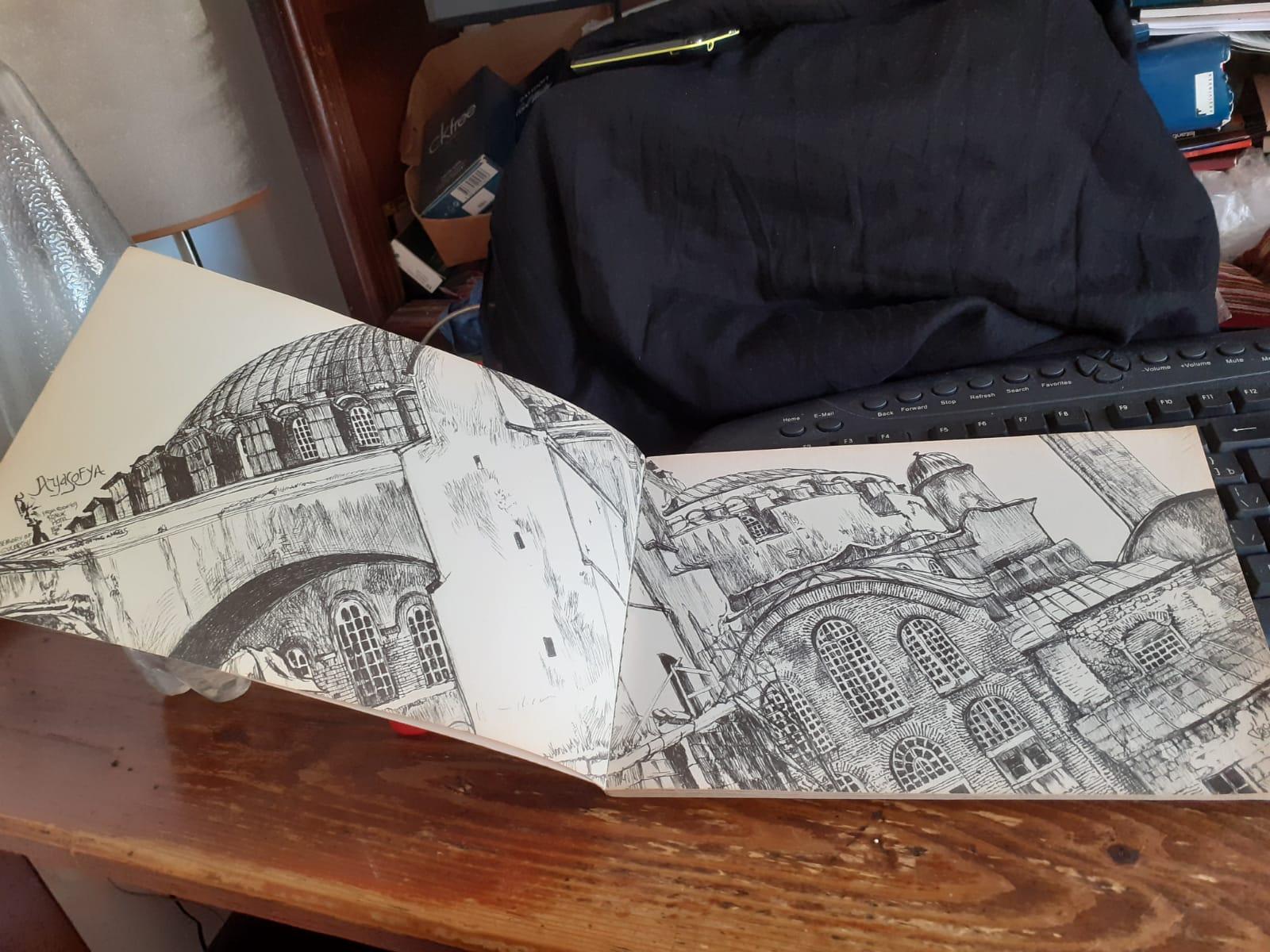TRICI VENOLA Drawing on Istanbul
