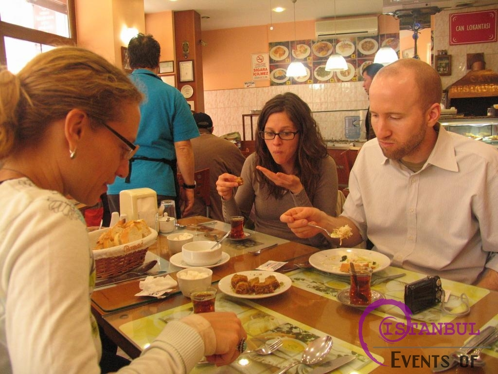 Food Tasting and Walking Tour in Istanbul